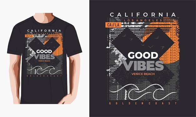 Buone vibrazioni, spiaggia della california e maglietta con le palme