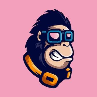 Gorilla con la mascotte di occhiali isolata sul rosa