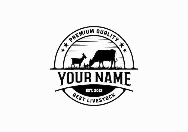 Erba, bovini, polli, capre, mucche. ispirazione per il modello di progettazione del logo del bestiame vintage