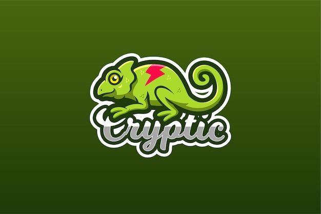 Modello di logo del gioco mascotte camaleonte verde