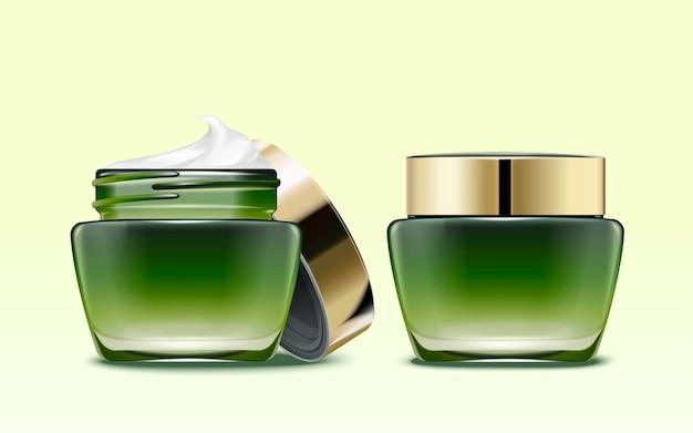 Modello di pacchetto di prodotti cosmetici verdi, uno con coperchio aperto