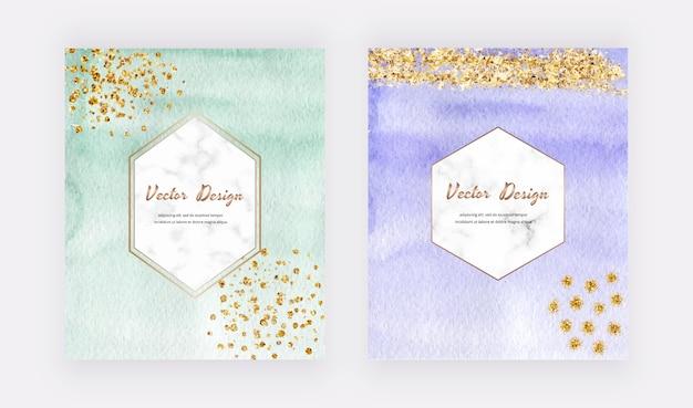 Carte da acquerello verde e viola con texture glitter oro, coriandoli e cornici di marmo geometriche.