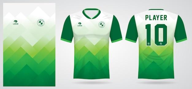 Modello di maglia sportiva verde per le divise della squadra e il design della maglietta da calcio
