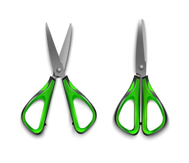 Forbici verdi della cancelleria aperte e chiuse isolate