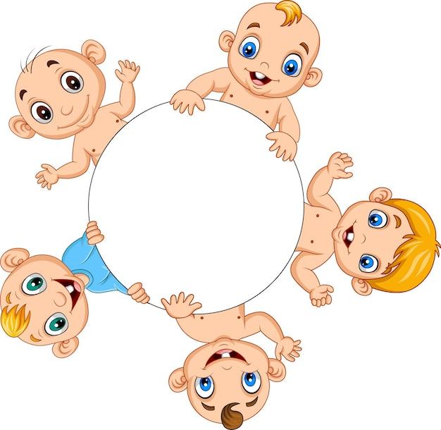 Gruppo di neonati dei cartoni animati con cornice circolare vuota