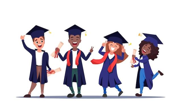 Gruppo di studenti laureati felici che indossano abiti accademici con diplomi in mano ragazzi e ragazze multiculturali che celebrano insieme la laurea. cartone animato piatto