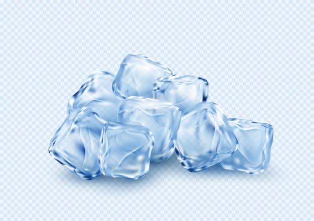 Gruppo di cubetti trasparenti trasparenti del ghiaccio isolati