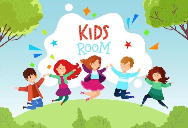 Gruppo piccoli bambini felici allegri che saltano all'aperto