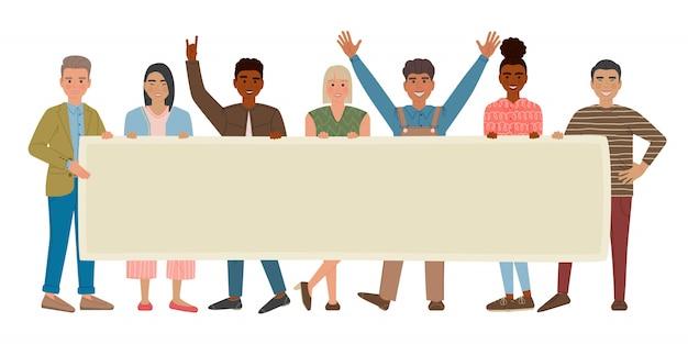 Gruppo di uomini e donne multietnici che stanno insieme e che tengono cartello bianco. le persone sono manifestanti o attivisti. personaggi dei cartoni animati isolati.