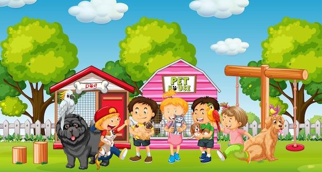 Gruppo di animali domestici con il proprietario nella scena del parco giochi
