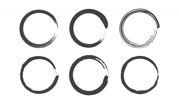 Set di cerchi rotondi grunge. pennello