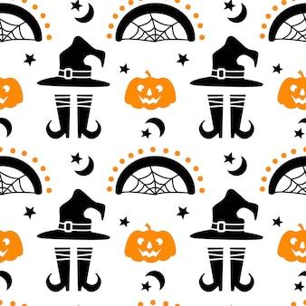 Modello senza cuciture di halloween con la stella della luna delle gambe del cappello dell'arcobaleno della zucca isolata su fondo bianco