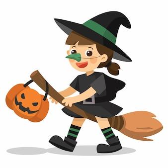 Strega di halloween. piccola strega sveglia con cesto di zucca per dolcetto o scherzetto su sfondo bianco