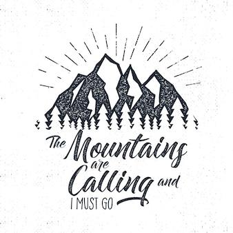 Etichetta di avventura disegnata a mano. montagne che chiamano illustrazione.