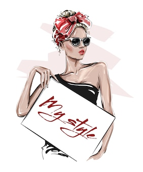 Bella giovane donna disegnata a mano in occhiali da sole che tengono manifesto. ragazza alla moda con fiocco in testa. look da donna alla moda.