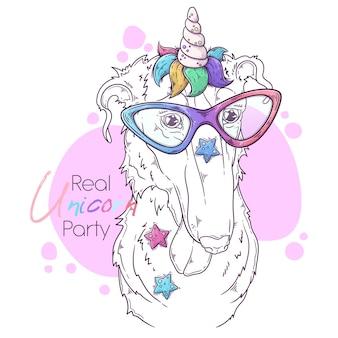 Cane borzoi disegnato a mano con corno di unicorno