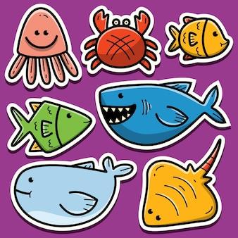 Disegno dell'autoadesivo dell'animale di mare del fumetto disegnato a mano Vettore Premium