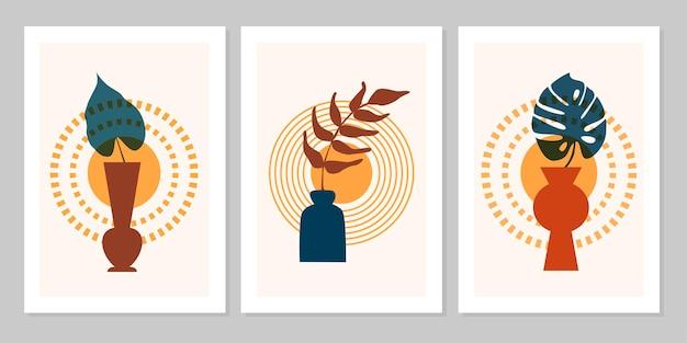 Poster boho astratto set di colori disegnati a mano con foglia tropicale, vaso e sole isolato su sfondo beige. illustrazione piana di vettore. design per motivo, logo, poster, invito, biglietto di auguri