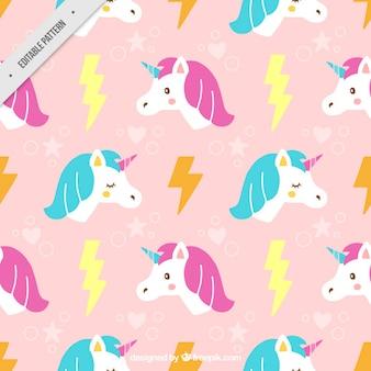 Disegnata a mano unicorno carino con motivo a fulmini