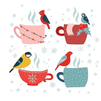 Set di cartoline di buon natale doodle disegnato a mano. diverse tazze con uccelli. fiocchi di neve stelle blu su sfondo bianco.