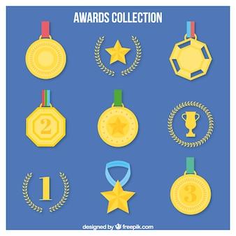 Disegnati a mano medaglie d'oro con corona di alloro