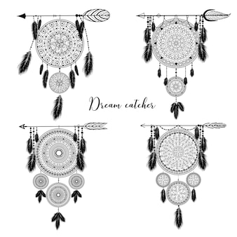 Dreamcatcher indiano disegnato a mano con piume. illustrazione. design etnico, boho chic, simbolo tribale.