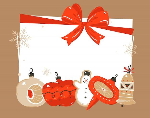 Modello di intestazione di saluto delle illustrazioni di coon di tempo di buon natale e felice anno nuovo disegnato a mano con i giocattoli della bagattella dell'albero di natale e il posto per il vostro testo su priorità bassa bianca