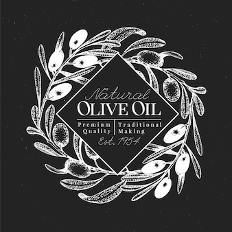Modello di disegno di oliva disegnato a mano. illustrazioni di olive di vettore sul bordo di gesso. sfondo di olio d'oliva vintage