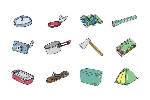 Collezione di icone campeggio all'aperto disegnata a mano
