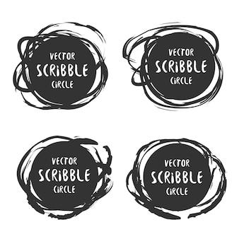 Etichette di scarabocchio disegnate a mano con set di testo. elementi di logo e decorazione