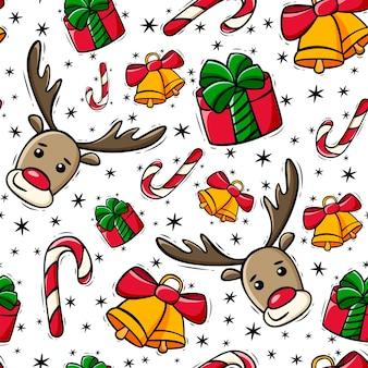 Motivo natalizio senza cuciture disegnato a mano con regalo di bastoncini di zucchero di cervo e campane in stile scarabocchio