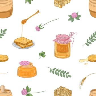 Modello senza cuciture disegnato a mano con delizioso miele biologico, mestolo, fette di pane, nido d'ape, trifoglio, barattolo e botte su superficie bianca