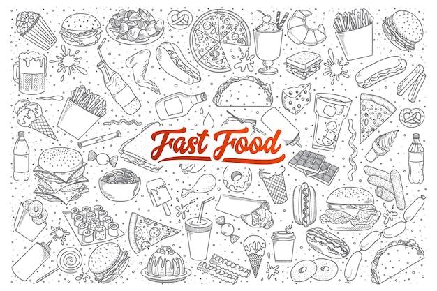 Insieme disegnato a mano di scarabocchi fast food con scritte