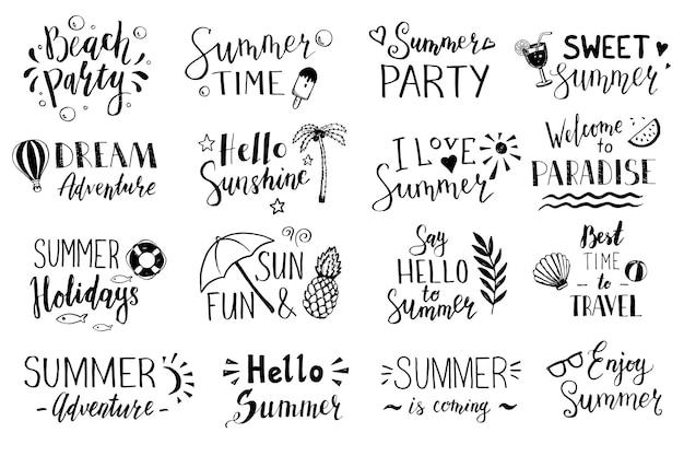 Insieme disegnato a mano di scritte di testo: ciao estate, festa in spiaggia, vacanze estive, avventura da sogno, dolce estate, ora legale ecc. illustrazione vettoriale per icona, banner per feste, design di etichette estive.