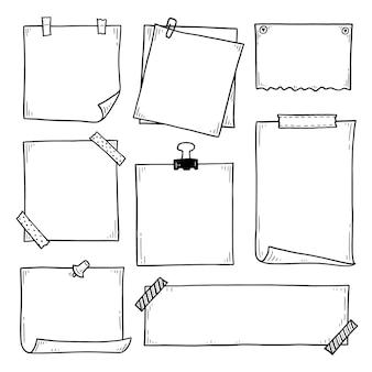 Insieme disegnato a mano di doodle appiccicoso promemoria di carta