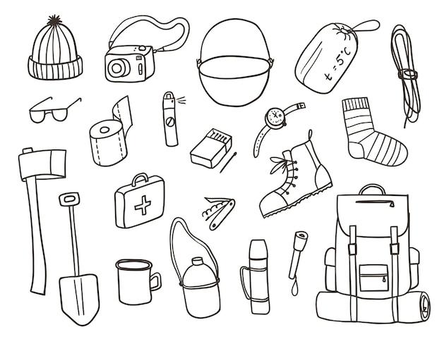 Schizzo disegnato a mano insieme di simboli e strumenti di attrezzatura da campeggio elementi di contorno di doodle