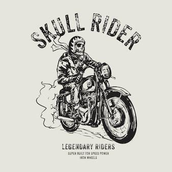 Motociclista del cranio disegnato a mano in sella a moto d'epoca