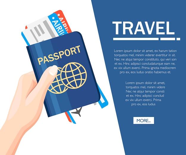 Mano che tiene il passaporto con l'icona di biglietti. viaggi di concetto e turismo. documenti di viaggio. passaporto internazionale. concetto per sito web o pubblicità