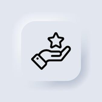Mano che tiene un pulsante a forma di stella. stella di valutazione. elementi per concetti mobili e app web. pulsante web dell'interfaccia utente bianco neumorphic ui ux. neumorfismo. vettore eps 10.