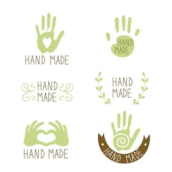 Etichette fatte a mano cuore in mano con un ornamento a spirale a spirale vettore in stile disegnato a mano