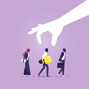 Scelta della mano uomo d'affari con un'idea da un gruppo di persone che scelgono la migliore idea di business