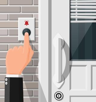 Spingere a mano il pulsante del campanello alla porta d'ingresso. il dito preme l'interruttore del campanello. la persona suona nell'appartamento. illustrazione vettoriale piatta