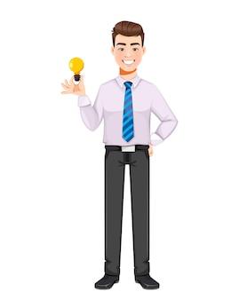 Uomo d'affari bello che ha una buona idea personaggio dei cartoni animati di giovane uomo d'affari