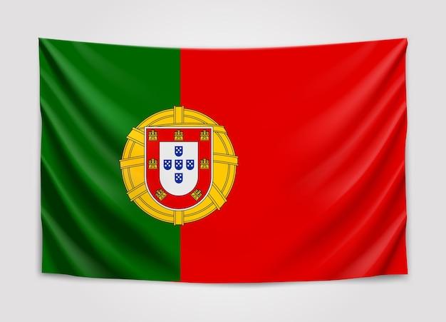 Bandiera appesa del portogallo. repubblica portoghese. Vettore Premium