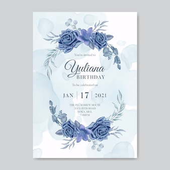 Modello di carta dell'invito di buon compleanno con bouquet floreale dell'acquerello