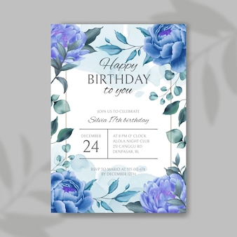 Invito di buon compleanno con sfondo blu di fiori e foglie