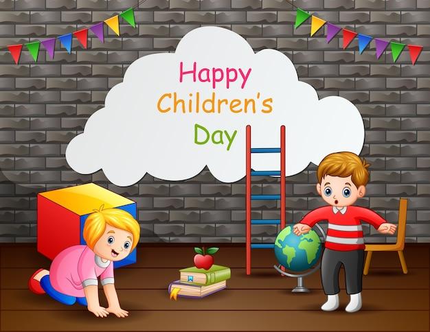 Testo di giorno dei bambini felici con bambini felici
