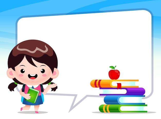 Studentessa carina felice con discorso bolla grande