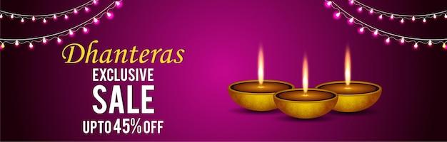 Felice banner di vendita dhanteras o intestazione su sfondo creativo con diwali diya
