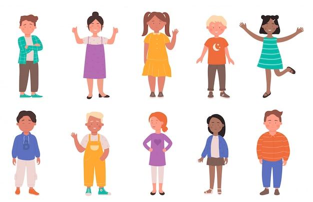 Illustrazione di diversi bambini felici. il gruppo piano dei caratteri del bambino del fumetto di razza differente che sorride, scuola materna o scuola il ragazzino e la ragazza che stanno insieme nella linea, i bambini hanno messo isolato su bianco